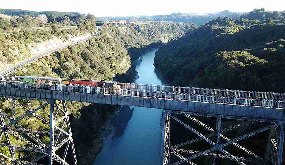 Mohaka Viaduct work train 960x555